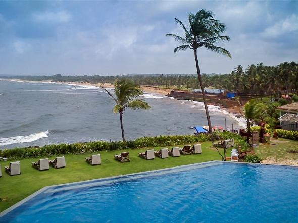 Goa-Pool-Ocean